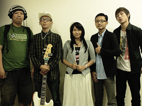 FEATURE ARTICLE>>>INDONESIAN MUSIC