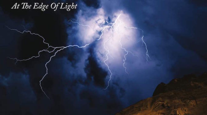 NEW DISC REVIEW + INTERVIEW 【STEVE HACKETT : AT THE EDGE OF LIGHT】